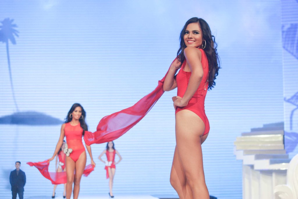 #1 Karen Gallman; candidates wore swimwear designed by Yvonne Quisumbing, Hajji Godinez for SALMALTO, Philip Tampus, Vania Romoff and OJ Hofer. Photo was taken during Miss Resort's World Final Runway competition at the New Port Performing Arts Theater Resort's World Manila last Nov 23, 2012. Photo by Jude Bautista