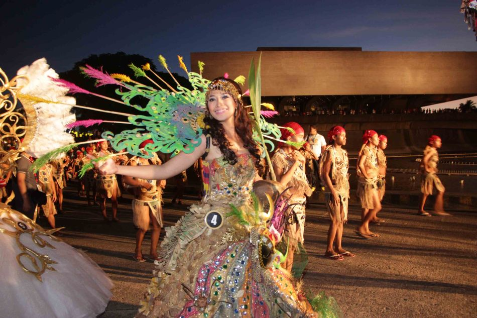 #4 Andrea Mae Lim of Catanauan Quezon (Boling-boling Festival) has the CCP façade in the background with the famous Manila sunset. Catch the ALIWAN Fiesta from April 11-13, 2013 at the CCP Complex. Photo by Jude Bautista.