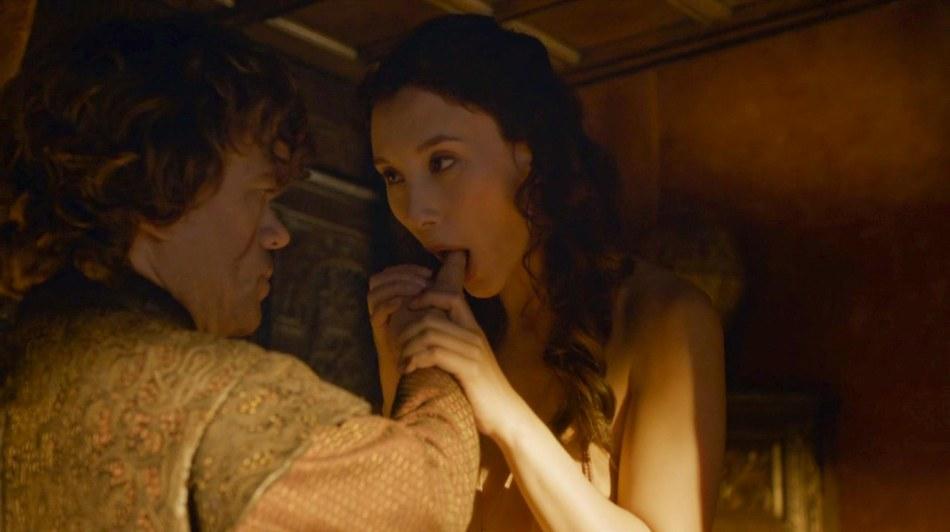 Shae (Sebil Kekili) seduces Tyrion (Peter Dinklage)